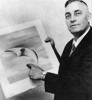 Kenneth Arnold el primer hombre en ver un OVNI