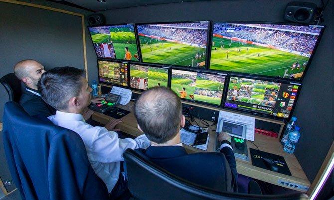 Mundial de Rusia 2018:  cómo el videoarbitraje puede petarse la magia del fútbol