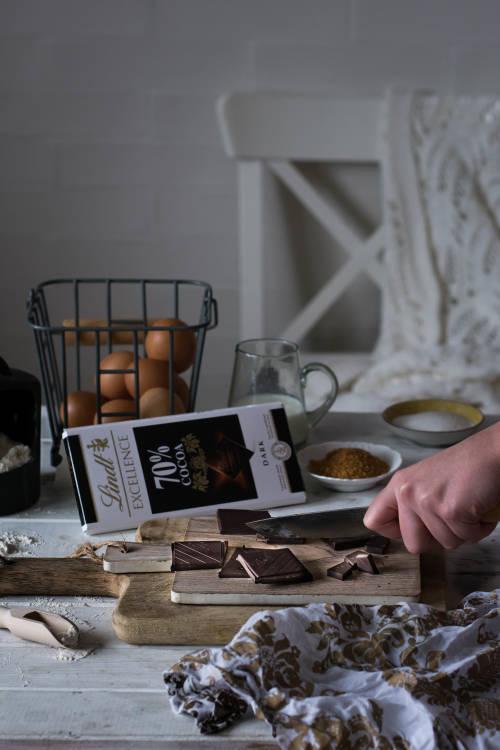 Pastel de chocolate, caramelo salado y merengue-3006